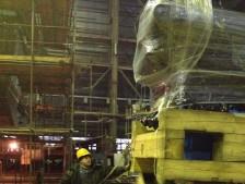 Доставка корабельного двигателя